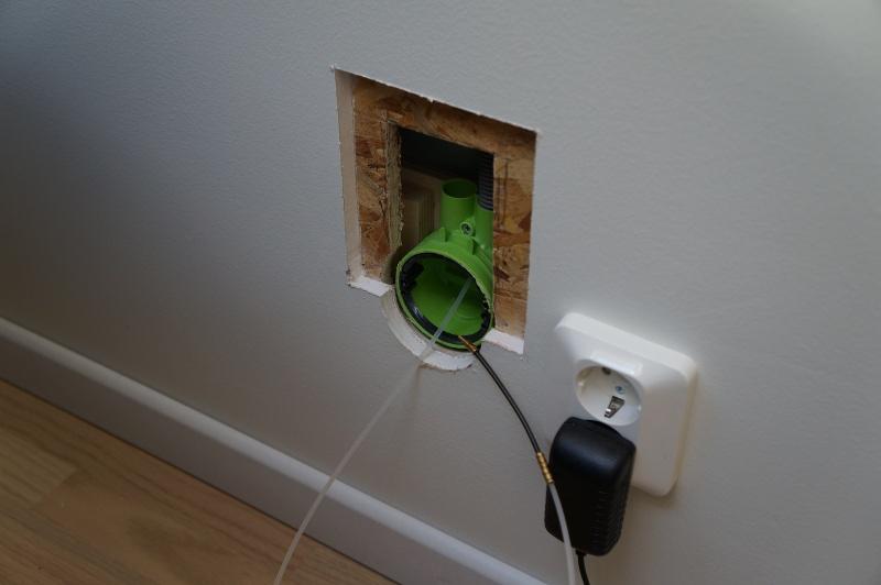 skarva elkabel i vägg